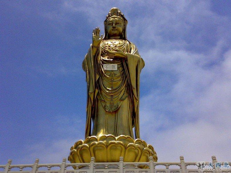 行在江湖    普陀山位于钱塘江口,舟山群岛东南部