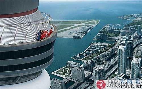 加拿大多伦多国家电视塔      直到今年5月之前,塔顶的旋转餐厅