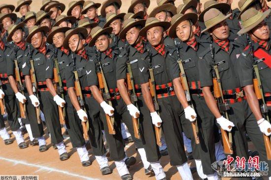 印度举行阅兵式和游行活动庆祝共和国日
