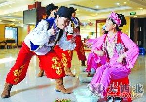 摄影 李成伟锡伯族的玉足舞。