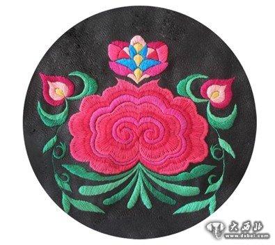 彝族绣娘 彝族刺绣——心灵与心灵的触碰