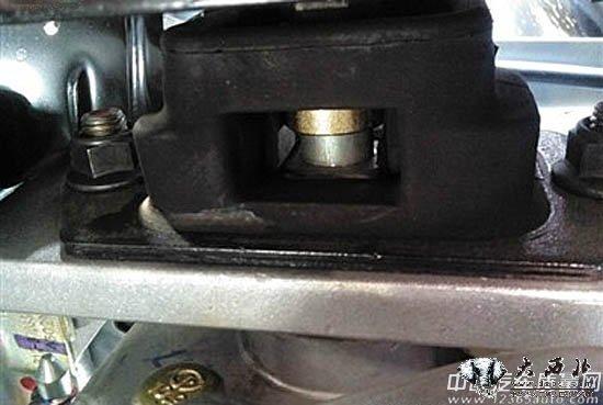 目前,中国汽车质量网已接到2012款景逸共振问题投诉10宗,可见2012款