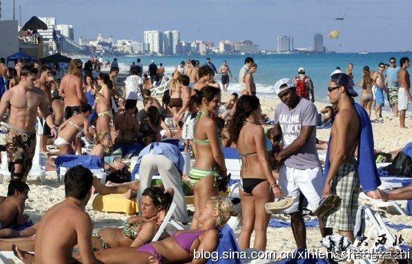 海外热词:美国大学生春假的火辣比基尼派对