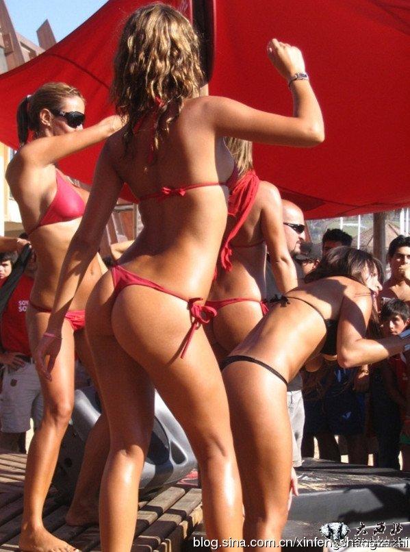 海外热词:美国大学生春假的火辣比基尼派对 竖