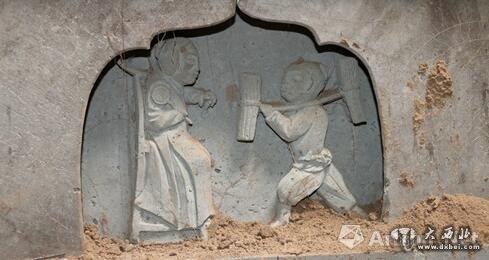 初步断定为宋元时期一卢姓男子的墓葬