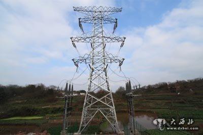 4条220千伏电力线路;新组立铁塔19座