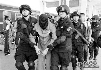 兰州警方历时3月远赴云南摧毁一特大贩毒团伙 擒获五名嫌犯