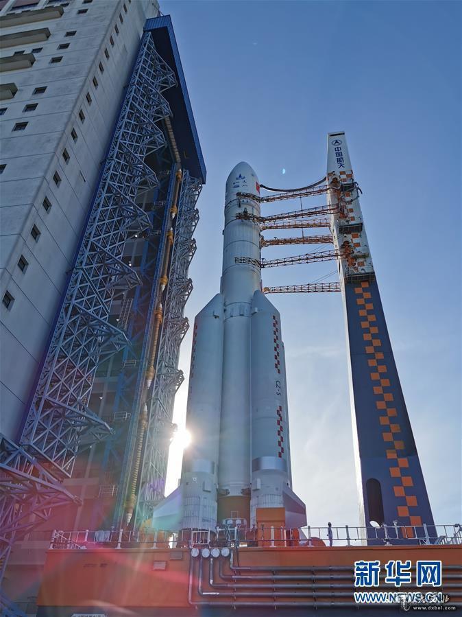 """阿联酋的探月计划揭示了更多细节,并将""""落在月球上"""""""